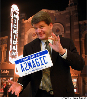 Michigan Magician, Jeff Wawrzaszek - contact me for  Michigan  events that are amazingly successful, memorable and fun!